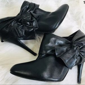 Laundry Shelli Segal Black Leather Booties 7.5